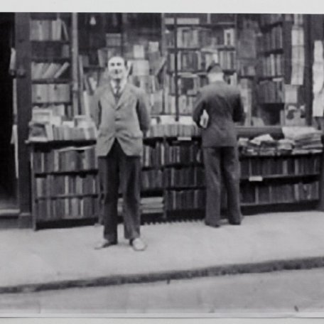 •	Charles Lahr the first publisher of RD's work outside the Progressive Bookshop c. 1947: Image 16