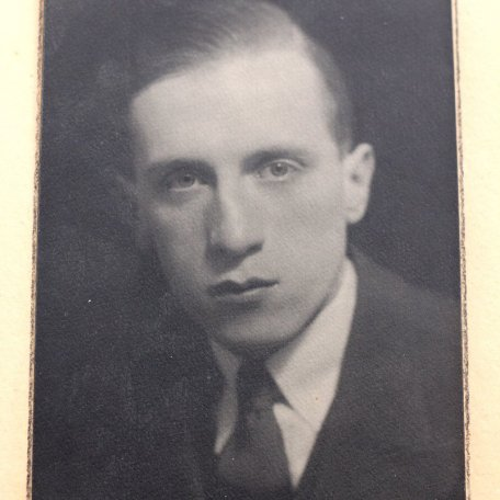 Rhys Davies as a young man: Image 2